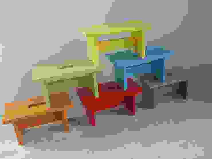 Petit banc en bois massif, coloré par Lartelier Moderne
