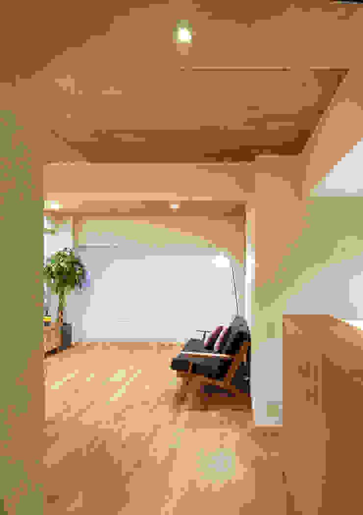 リノベーションで中古マンション再生 モダンな 家 の 二葉設計一級建築士事務所 モダン