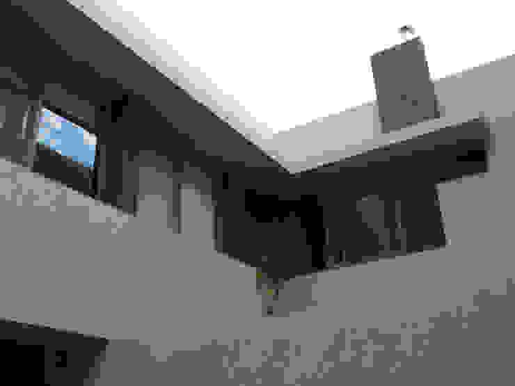 IL RIVESTIMENTO Modern Houses
