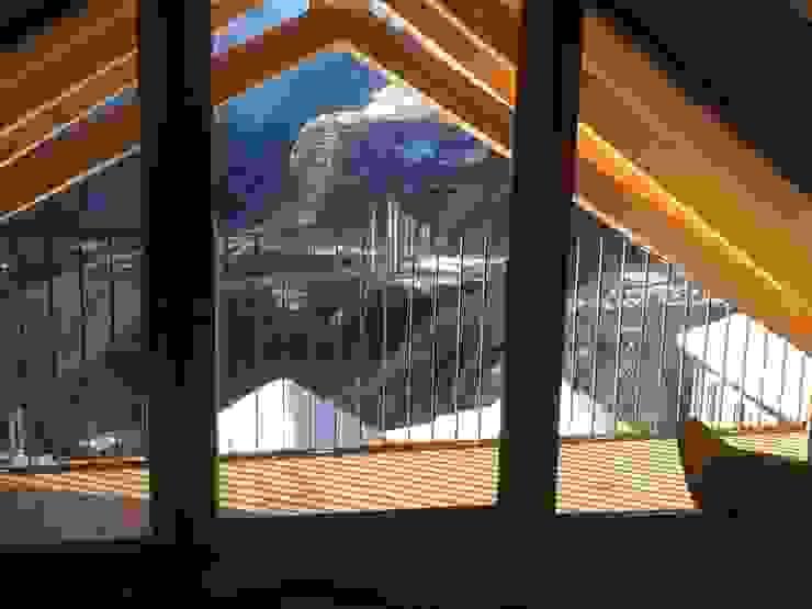Casa Rösch André Rösch Architekt Balcones y terrazas de estilo rural