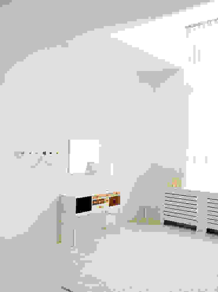 COLLECT Dormitorios de estilo moderno de Versat Moderno