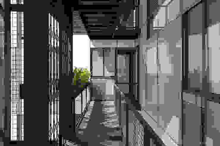 Tadeo 4909_3 Pasillos, vestíbulos y escaleras industriales de Proyecto Cafeina Industrial