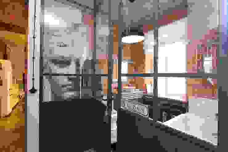 Loft- kamienica ul.Jagiellońska Warszawa 100 m2 Industrialna łazienka od livinghome wnętrza Katarzyna Sybilska Industrialny