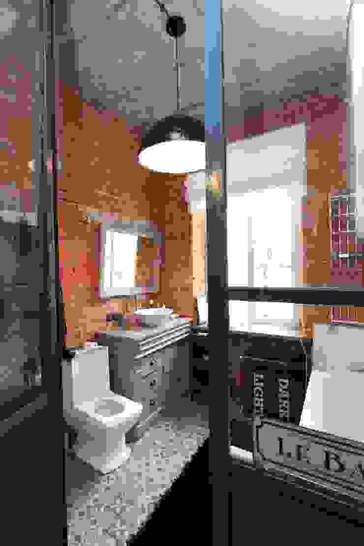loft Industrialna łazienka od livinghome wnętrza Katarzyna Sybilska Industrialny