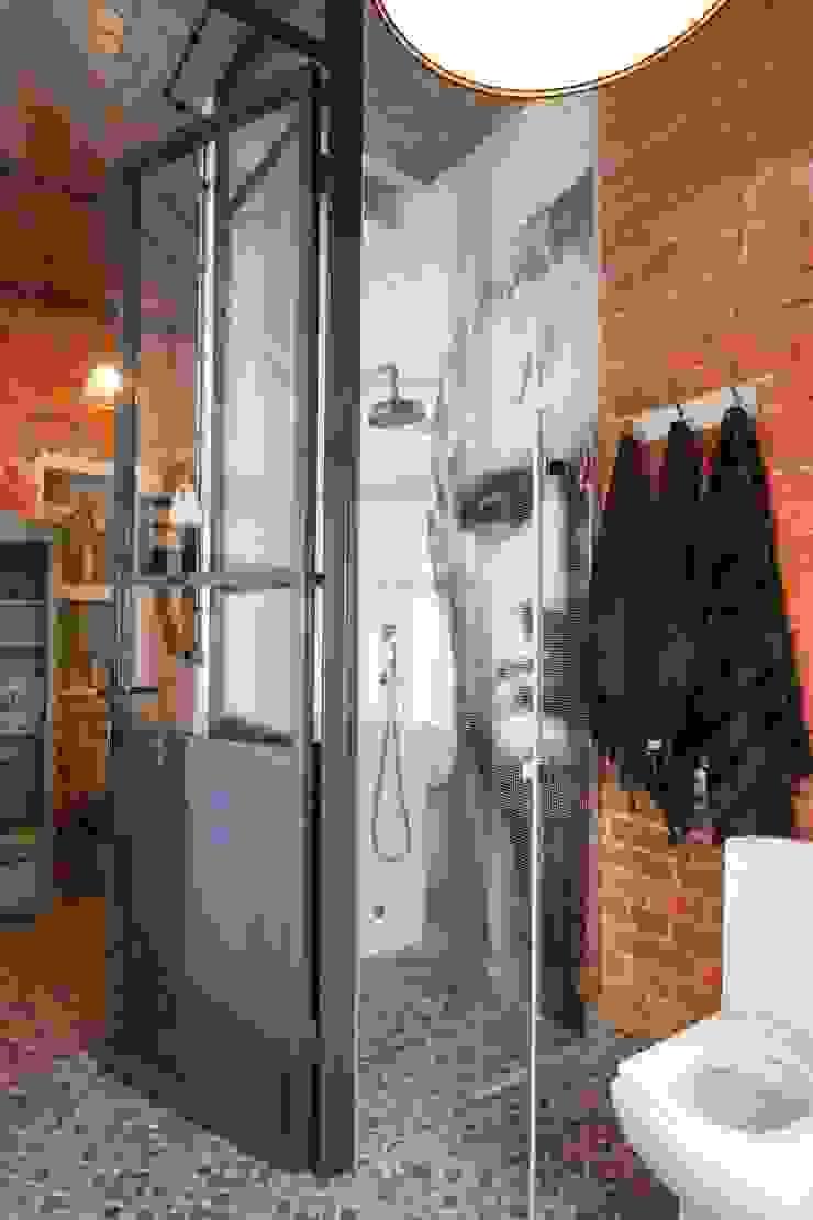 loft kabina prysznicowa Industrialna łazienka od livinghome wnętrza Katarzyna Sybilska Industrialny