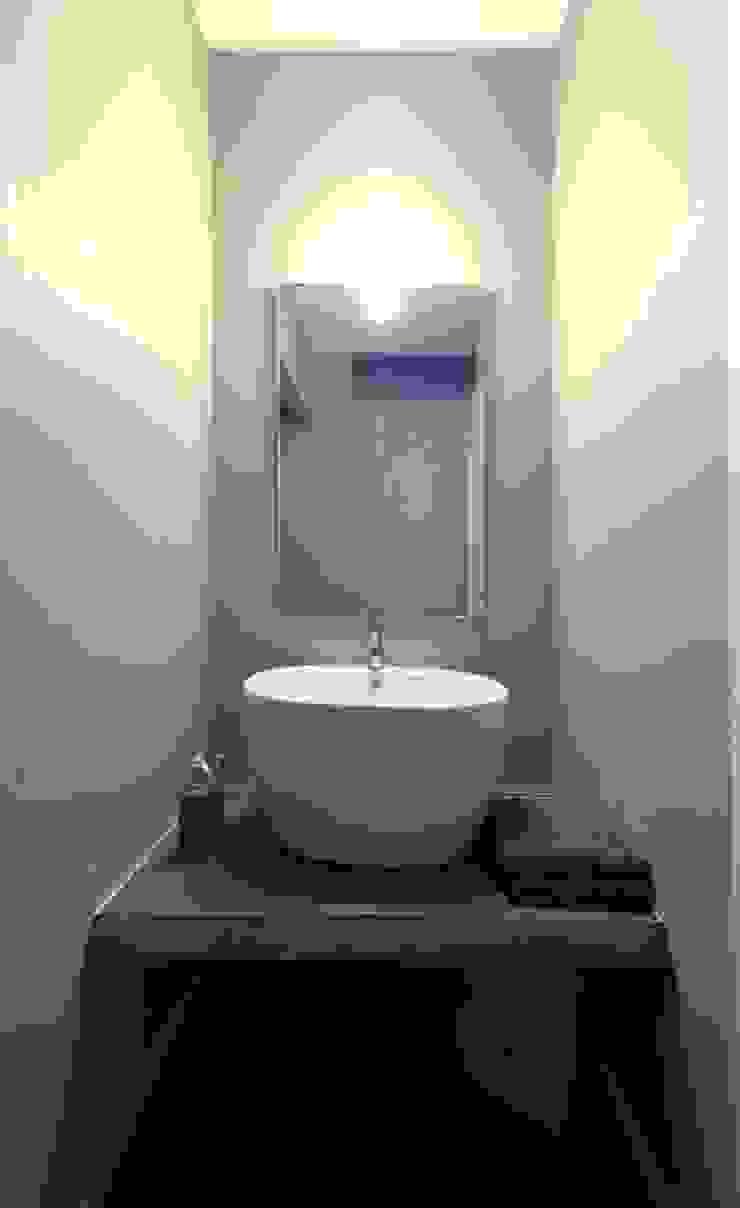 scomparire a Milano ristrutturami Bagno minimalista