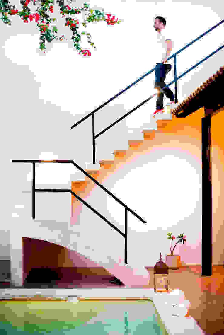 Casa GC55 Taller Estilo Arquitectura Pasillos, vestíbulos y escaleras eclécticos