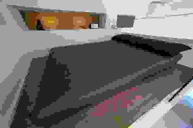 scomparire a Milano ristrutturami Camera da letto minimalista