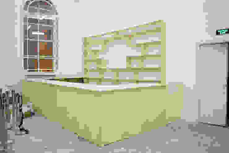 Барная стойка со стеллажами на выставку Бал Роботов от Мебельная компания FunEra. Изготовление мебели из фанеры на заказ. http://www.fun-era.ru Лофт Фанера