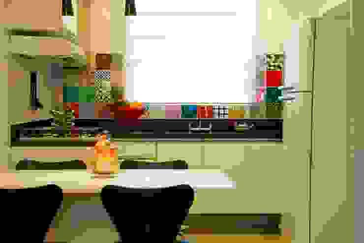 Cozinha Compacta Cozinhas modernas por Marcia Debski Ferreira Designer de Interiores Moderno