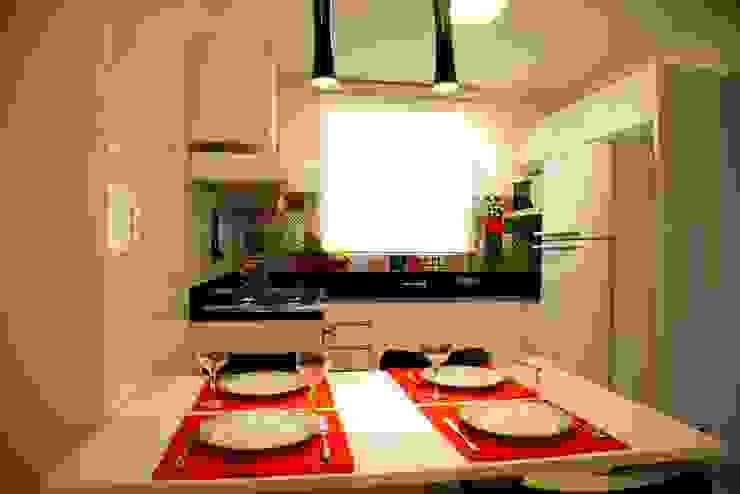 Modern Kitchen by Marcia Debski Ferreira Designer de Interiores Modern