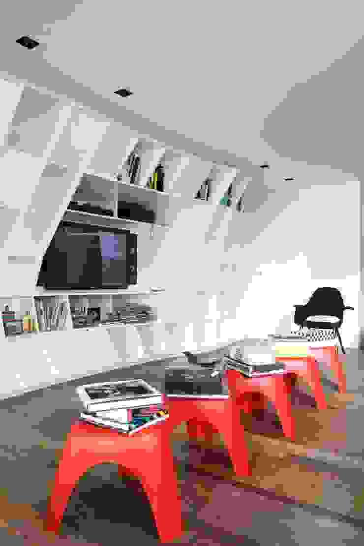 APARTAMENTO BELA CINTRA Salas de estar modernas por Calio design + interiores = Moderno