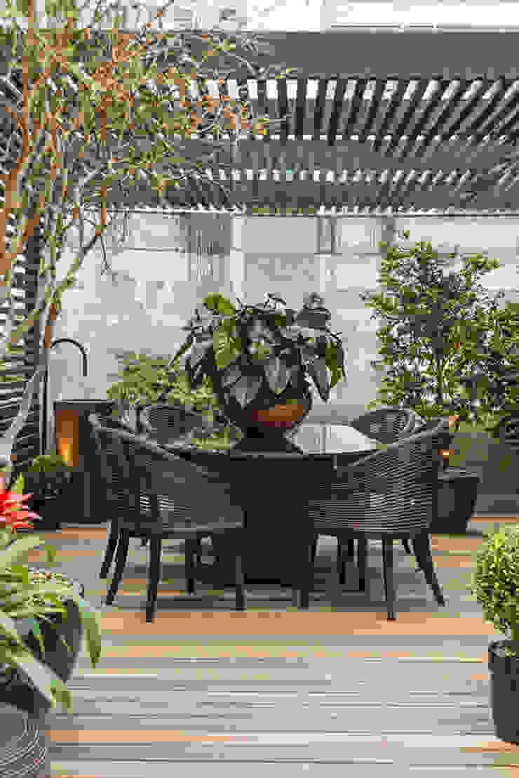 Lounge das Jabuticabeiras Jardins modernos por Denise Barretto Arquitetura Moderno