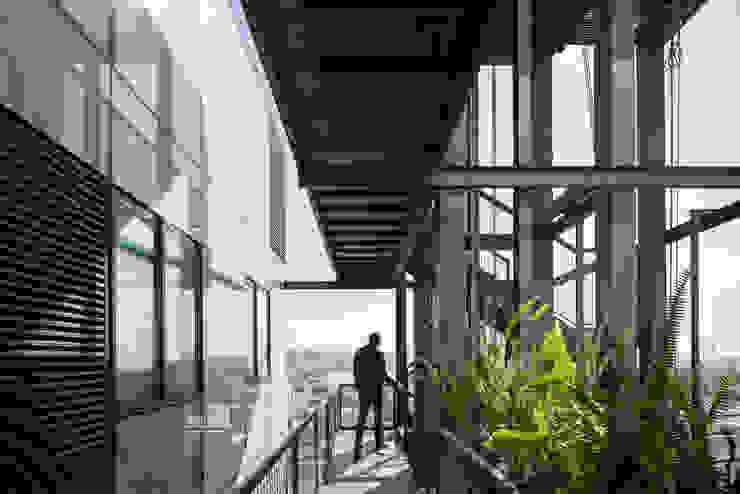 Tadeo 4909_13 Pasillos, vestíbulos y escaleras industriales de Proyecto Cafeina Industrial