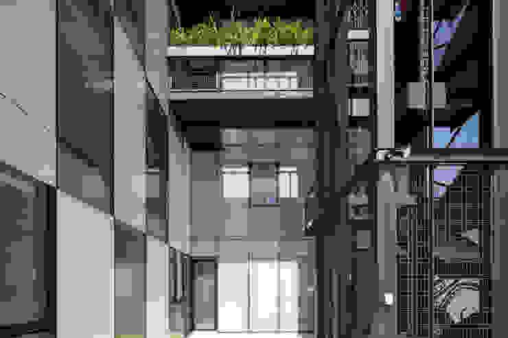 Tadeo 4909_15 Pasillos, vestíbulos y escaleras industriales de Proyecto Cafeina Industrial