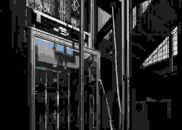 Tadeo 4909_16 Pasillos, vestíbulos y escaleras industriales de Proyecto Cafeina Industrial