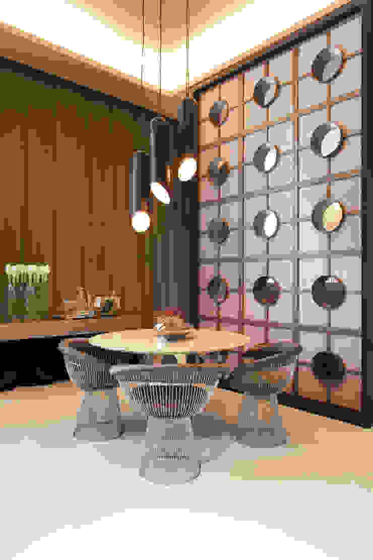 Salle à manger moderne par Denise Barretto Arquitetura Moderne