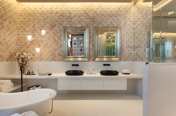 Bathroom by Denise Barretto Arquitetura