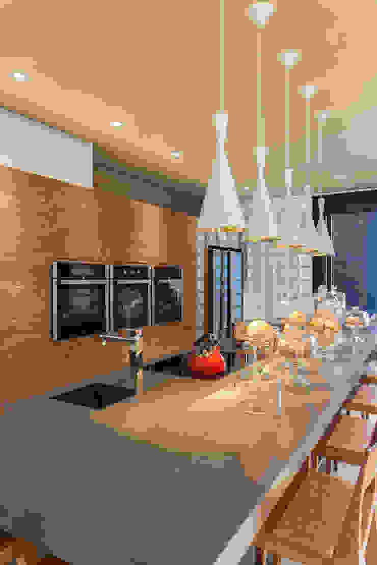 Cuisine moderne par Denise Barretto Arquitetura Moderne