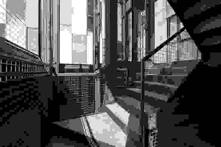 Tadeo 4909_29:  de estilo industrial por Proyecto Cafeina, Industrial