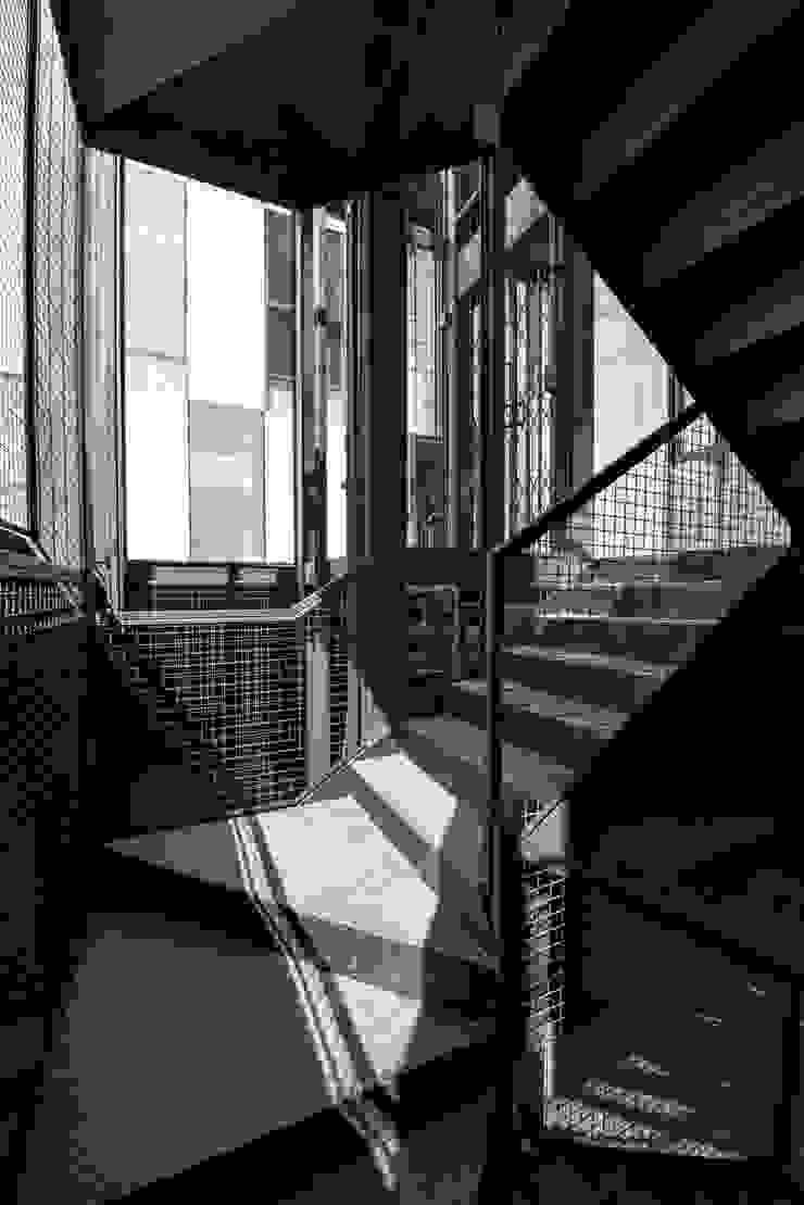 Tadeo 4909_30:  de estilo industrial por Proyecto Cafeina, Industrial