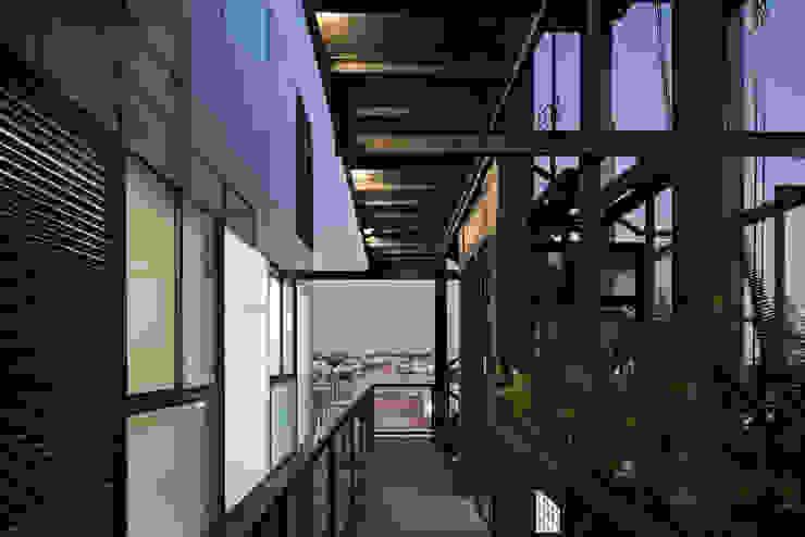Tadeo 4909_21 Pasillos, vestíbulos y escaleras industriales de Proyecto Cafeina Industrial