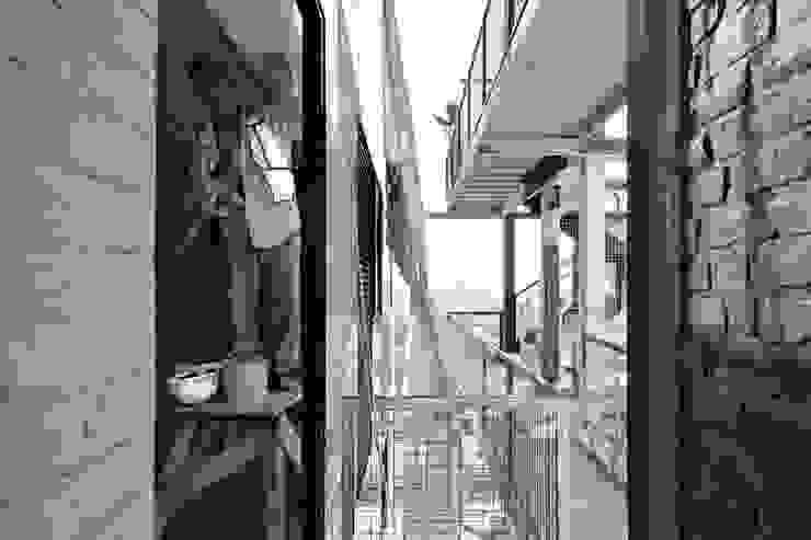 Tadeo 4909_25:  de estilo industrial por Proyecto Cafeina, Industrial
