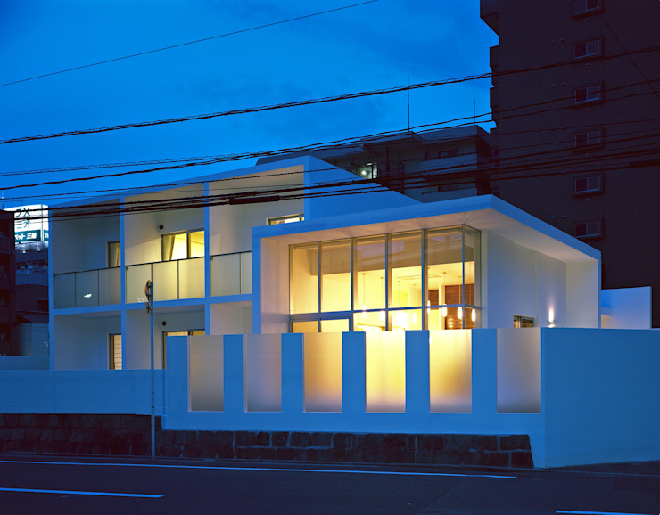 Rumah Modern Oleh 中本一哉建築設計事務所 Modern