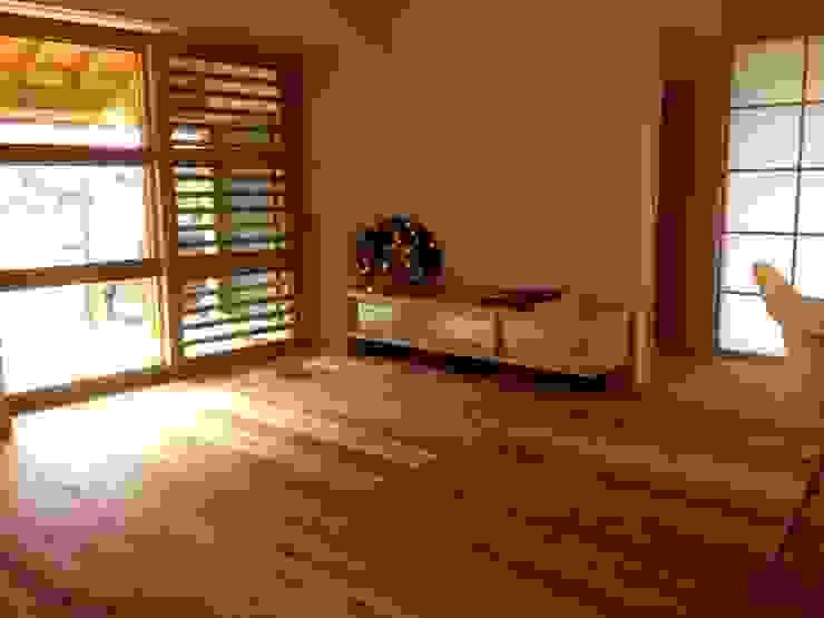 FAD建築事務所 Modern living room