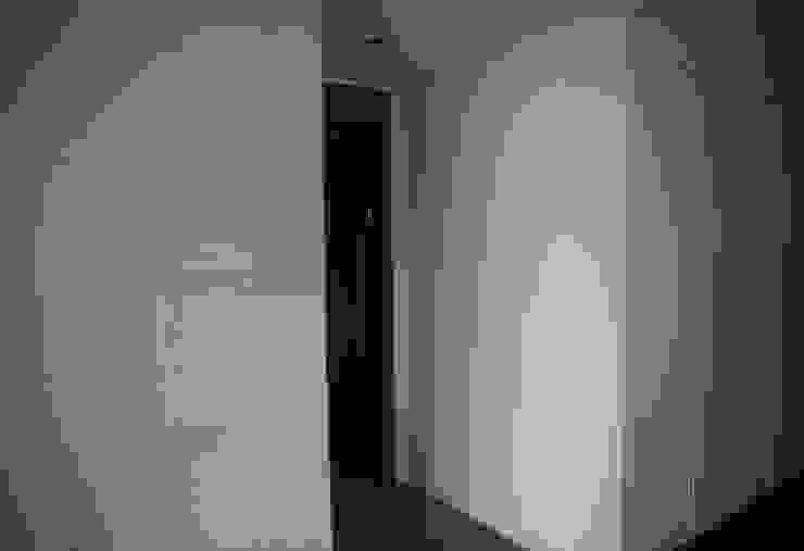 벽면과 도어 (After): 1204디자인의 현대 ,모던