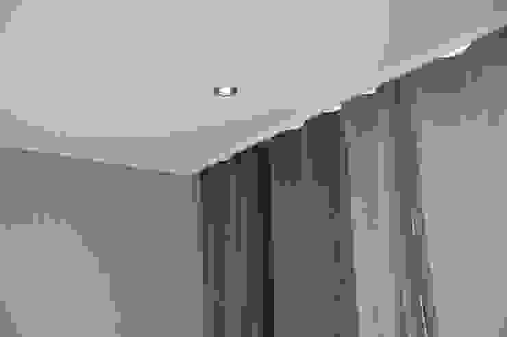안방 간접조명, 커텐 (After): 1204디자인의 현대 ,모던