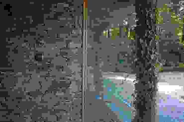 Domki w Dzikowie: styl , w kategorii Okna zaprojektowany przez M. i A. DOMICZ,Nowoczesny