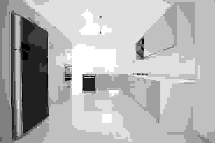 Projekty,  Kuchnia zaprojektowane przez ÖZYALÇIN CONSTRUCTION ,