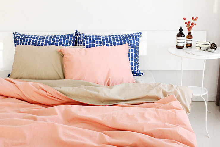 집을 꾸미는 가장 간단한 방법,  패브릭: mushroommate의  침실,미니멀