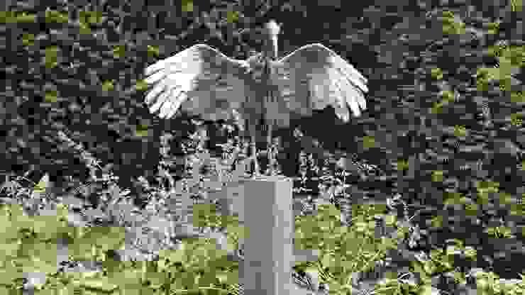 Meerpaal als passende basis bij dit kunstwerk Landelijke tuinen van Solits Landelijk