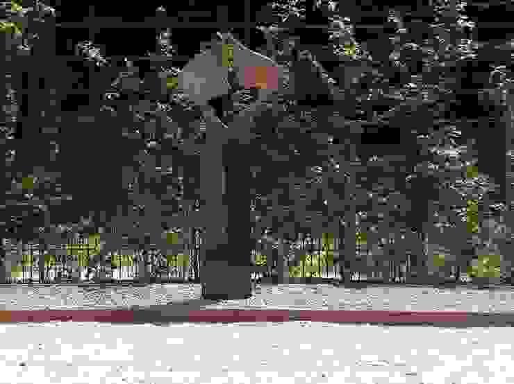 Sokkel van graniet Moderne tuinen van Solits Modern