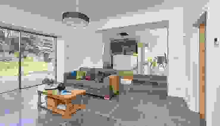 1st Sitting room / Kitchen: modern  by David Village Lighting, Modern