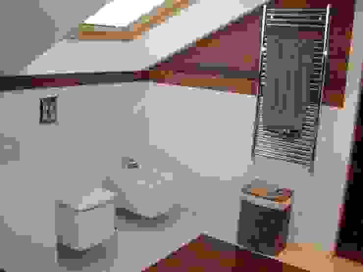 Bathroom by DE DIEGO ZUAZO ARQUITECTOS