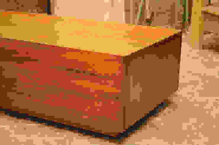 Mesa centro de Mediamadera Rústico Madera Acabado en madera