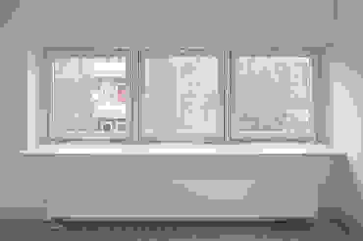 Royaal Boven Wonen Minimalistische slaapkamers van Studio LS Minimalistisch