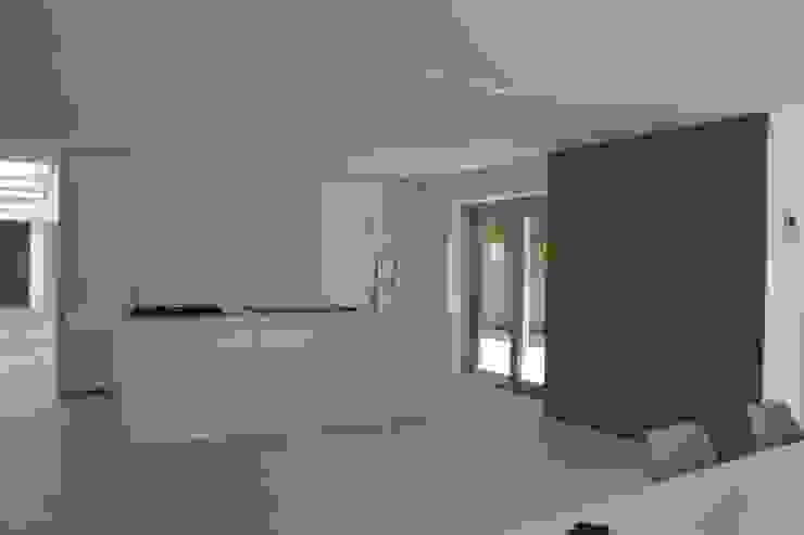 Interior Cocinas de estilo moderno de Alicante Arquitectura y Urbanismo SLP Moderno