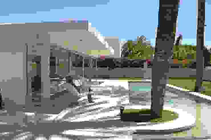 Exterior Casas de estilo moderno de Alicante Arquitectura y Urbanismo SLP Moderno