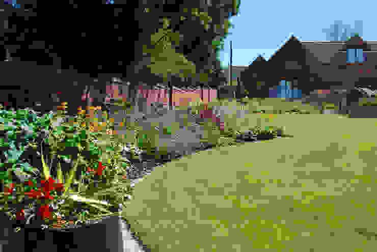 50m herbaceous border Lush Garden Design Jardines de estilo moderno