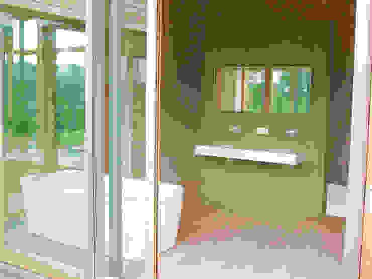 Bad Moderne Badezimmer von Moserarchitekten Modern