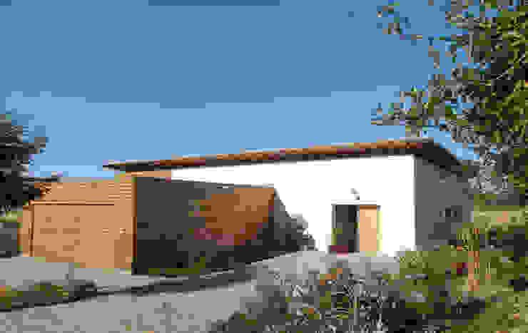 Ansicht Nord-Ost Moderne Häuser von Moserarchitekten Modern