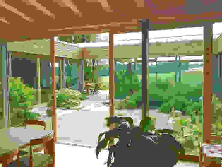 Innen-Außen Moderner Balkon, Veranda & Terrasse von Moserarchitekten Modern