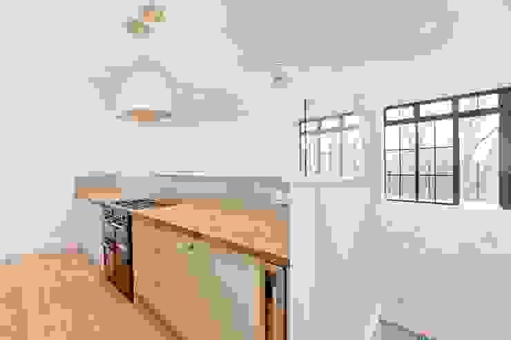 Abney News N16 - Appartment Klassieke keukens van ESB Flooring Klassiek