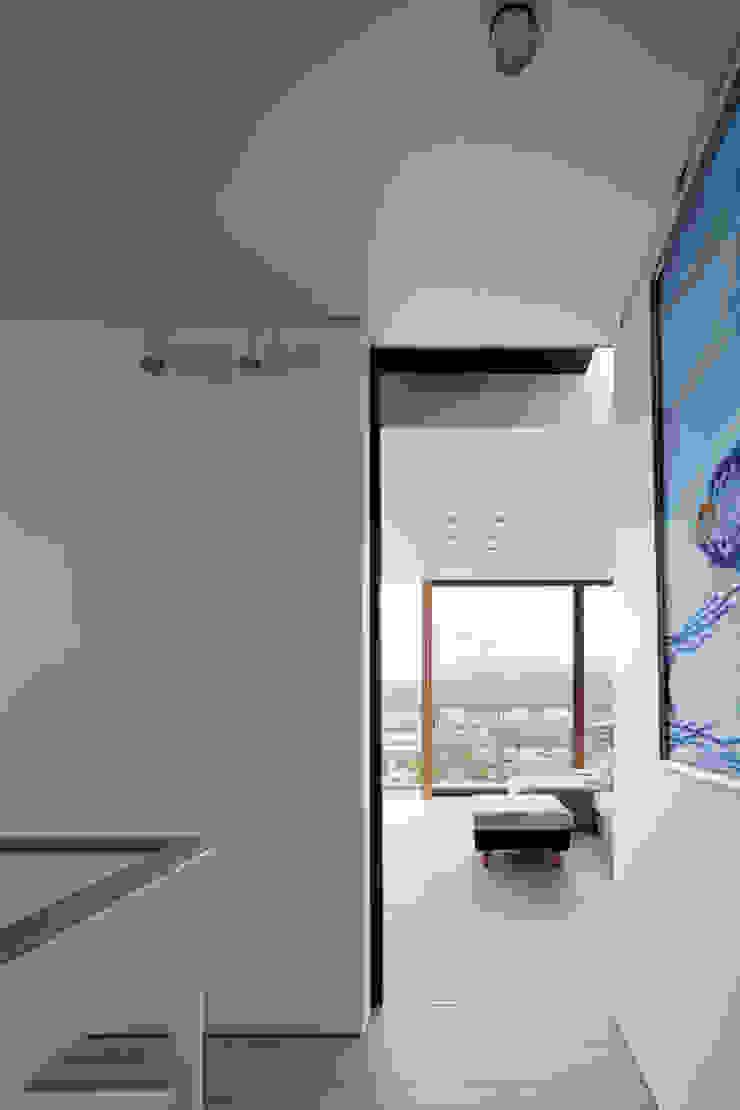 HILL HOUSE モダンスタイルの 玄関&廊下&階段 の プラスアトリエ一級建築士事務所 モダン