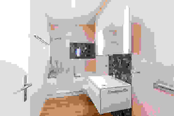 Badezimmer Moderne Badezimmer von Swissrenova AG Modern