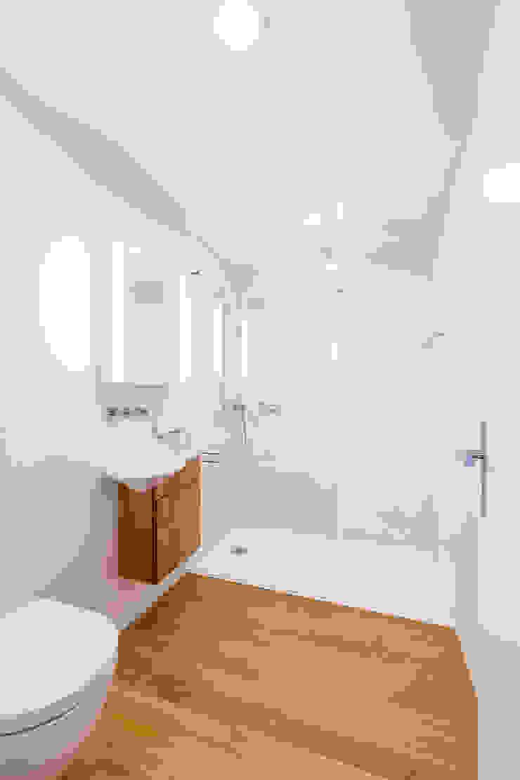 Duschen Moderne Badezimmer von Swissrenova AG Modern